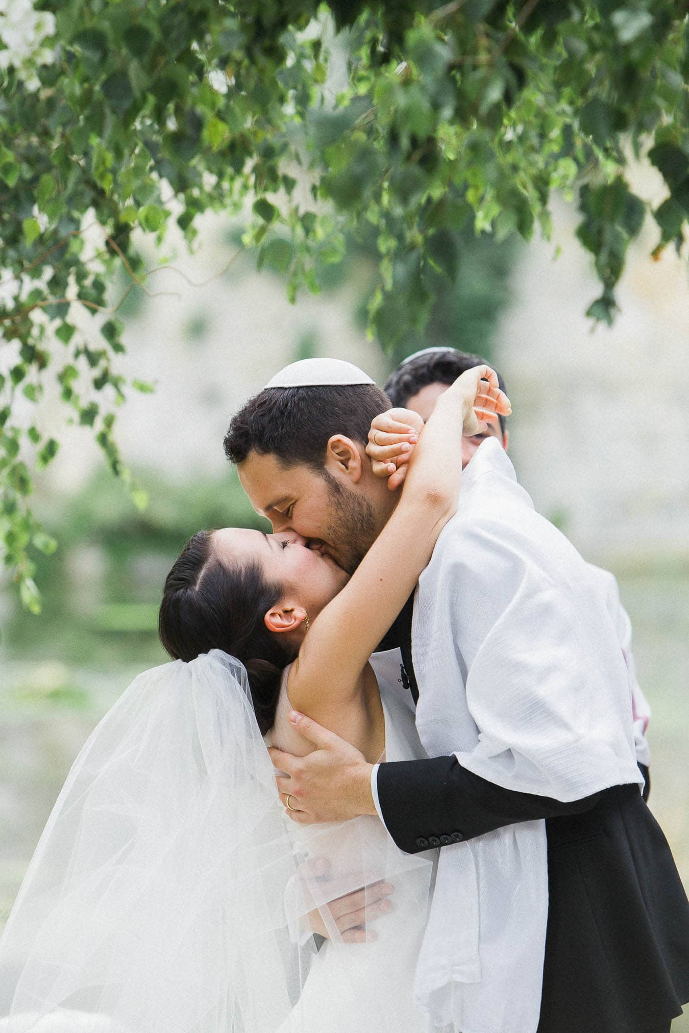 Le-Manoir-Aux-Quat-Saisons-Destination-Wedding-Photographer-Jewish-Wedding